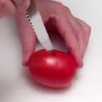 Ele começou por cortar o tomate… Mas que resultado impressionante!
