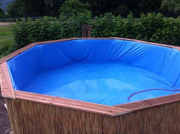 Como construir uma piscina com paletes super f cil e barato for Material piscina barato