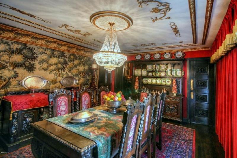 Resultado de imagem para Esta casa tem apenas 2 metros de largura mas o seu interior é brutal. Graças ao seu desenho por dentro parece espaçosa!
